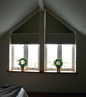 Gardin till trekantiga fönster